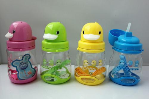 宝宝多大用吸管杯 吸管杯可以用到几岁
