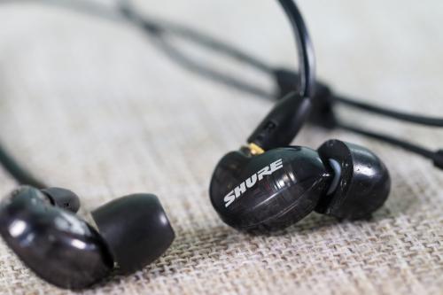 舒尔SE215耳机好不好 舒尔SE215耳机好用吗