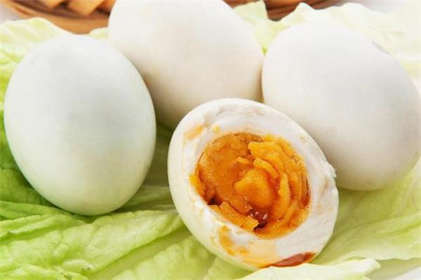 减肥可以吃咸鸭蛋吗图片