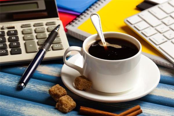 黑咖啡可以加牛奶吗 黑咖啡加牛奶是拿铁吗