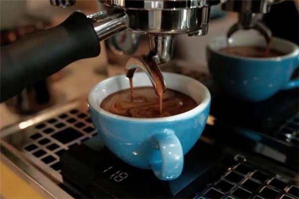 早上喝黑咖啡能减肥吗图片