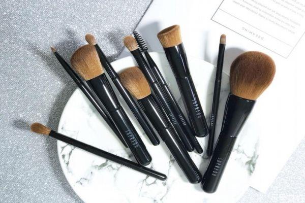 化妆刷有哪些作用 新手要准备哪些化妆刷