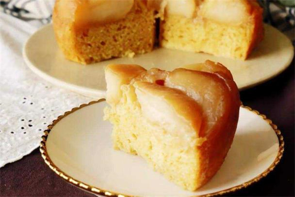 电饭煲做蛋糕用什么油 电饭煲蛋糕可以不放油吗