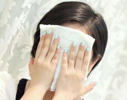 热毛巾敷脸可以消肿吗 热毛巾敷脸消肿的方法