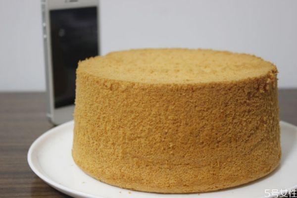 自制蛋糕需要什么材料 自制蛋糕的方法
