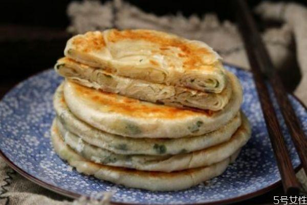 葱油饼的做法 葱油饼怎么做好吃