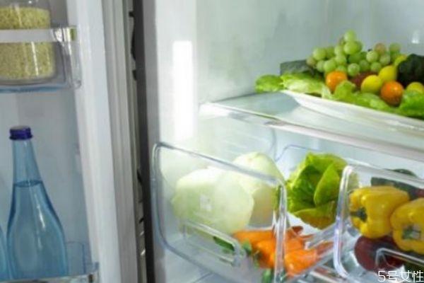 冰箱应该多久清理一次 清理冰箱要注意什么