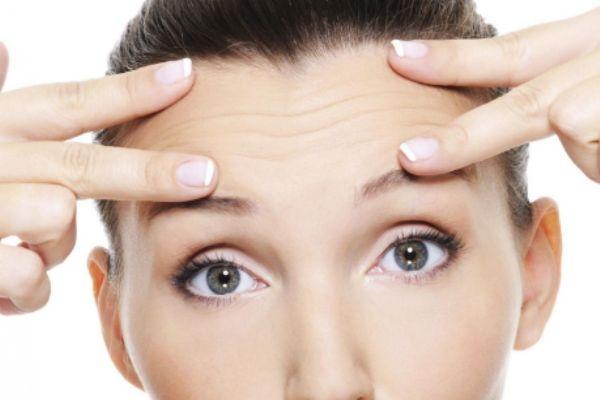 抬头纹严重的原因 加深抬头纹的坏习惯