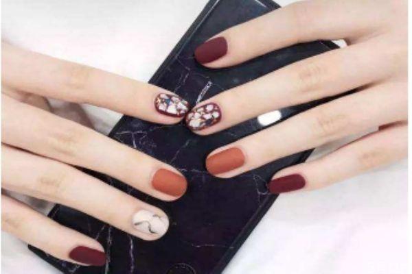 美甲指甲变薄怎么保养 美甲会让指甲变薄吗