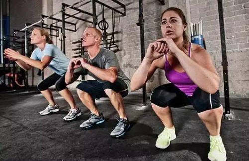 为什么波比跳会伤害膝盖 怎样能避免波比跳对膝盖的伤害