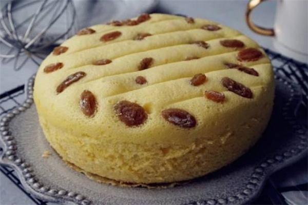 电饭煲蛋糕可以用酸奶吗 电饭煲蛋糕和烤箱蛋糕哪个好吃