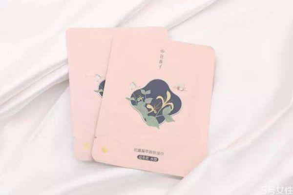 花西子卸妆湿巾和完美日记卸妆巾哪个好 两者各有优势