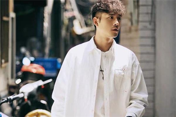 休闲白衬衫怎么搭配 休闲白衬衫搭配图片
