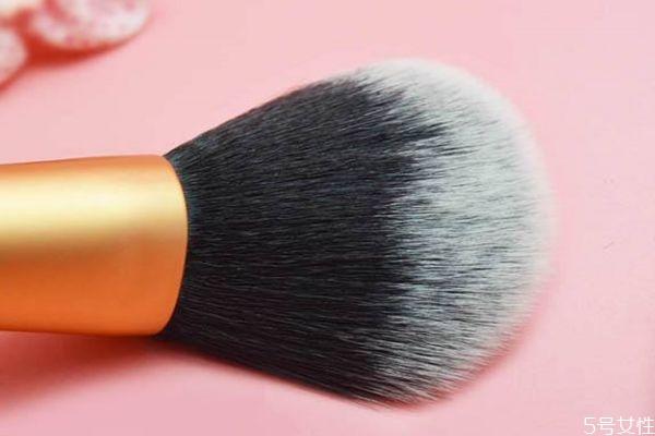 化妆刷什么材质的毛好 化妆刷变形了怎么恢复