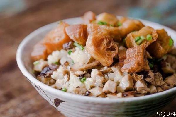 糯米饭怎么做好吃 糯米饭的简单做法