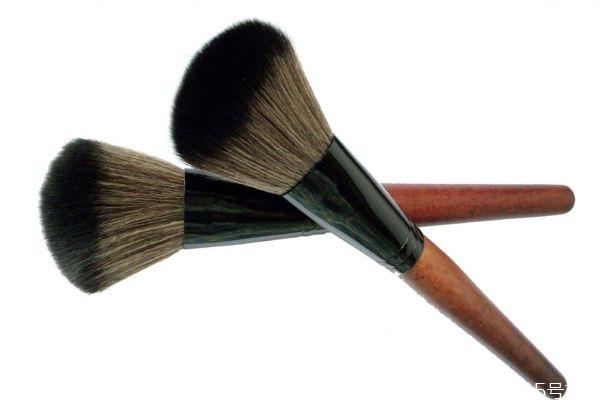 散粉刷什么形状好 散粉刷什么毛的好