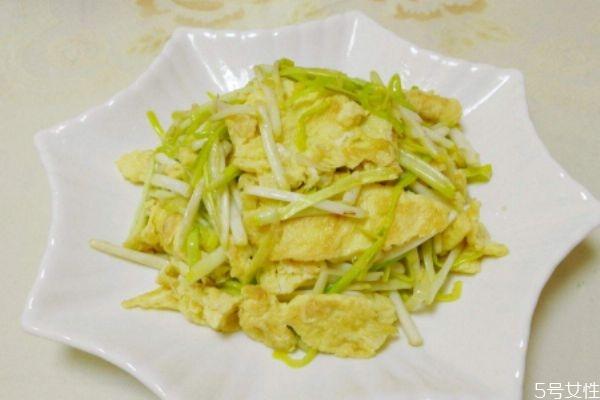 蒜黄炒鸡蛋怎么做好吃 蒜黄怎么清洗