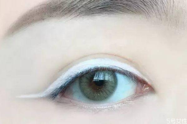 洗眼线最好的方法 洗眼线多久会褪色