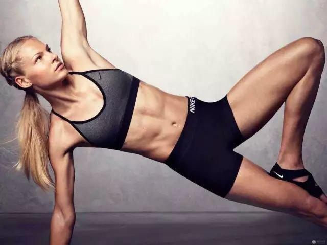 锻炼腹肌入门的方法 腹肌锻炼多久能形成