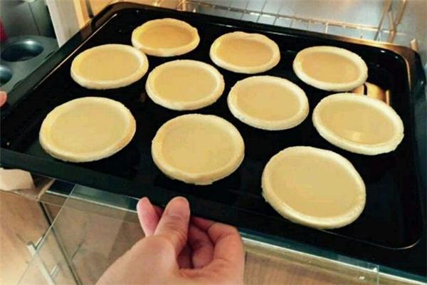 蛋挞液倒多少合适 蛋挞液怎么去腥味