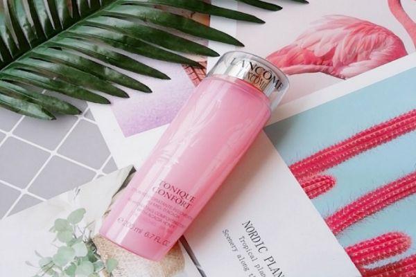 化妆水和爽肤水一样吗 化妆水和水乳霜顺序
