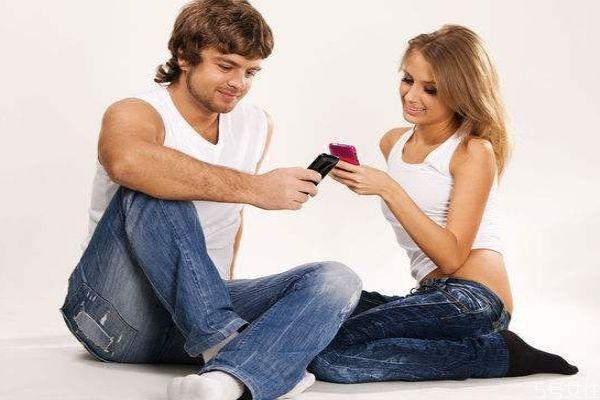 老公不让看手机正常吗 男人不让女人看手机可能的原因