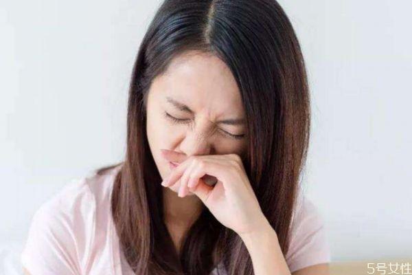 早上起床口苦是什么原因 为什么嘴巴会苦