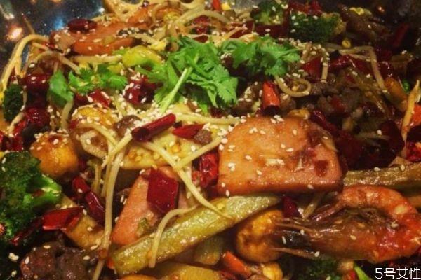 如何自制麻辣香锅 自制麻辣香锅的做法有什么