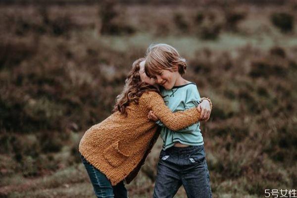 爱情需要有适当的距离吗 恋爱最适合的距离