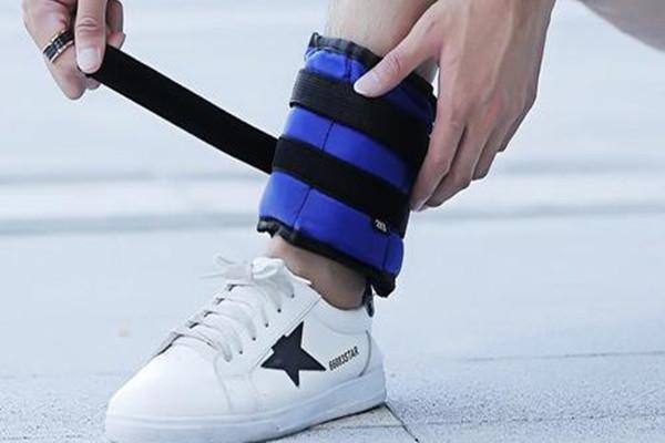 腿绑沙袋要注意什么 腿绑沙袋跑步有什么坏处吗