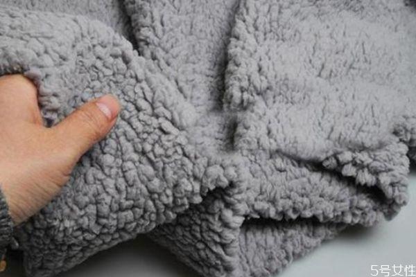 羊绒衫缩水了怎么恢复 羊绒衫怎么洗不缩水