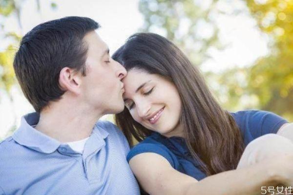 男人对于新欢多久会烦 男人对于新欢是真爱吗
