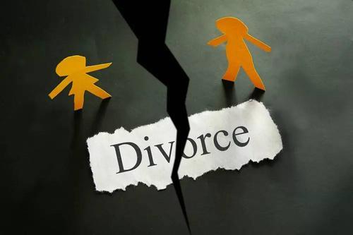 老公出轨他想离婚怎么办 老公出轨财产怎么分配