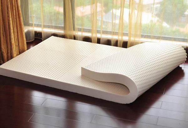 怎么挑选乳胶床垫 乳胶床垫的寿命有多长