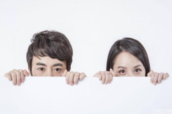 孕期怎么发现老公是否出轨 老公孕期出轨表现