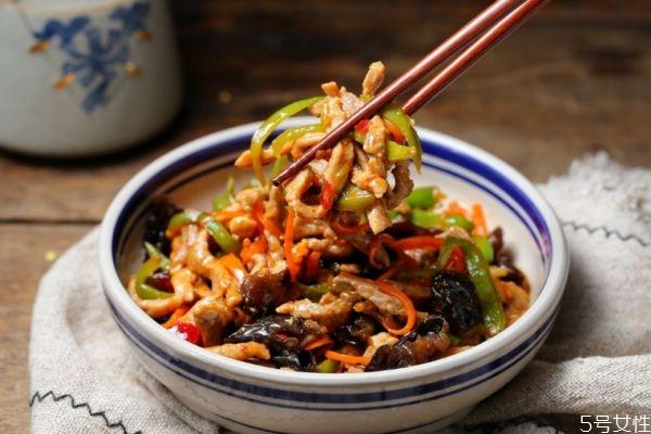 鱼香肉丝怎么做好吃 鱼香肉丝的简单做法