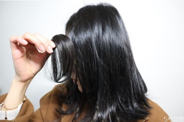刘海假发片怎么固定 刘海假发片的佩戴方法