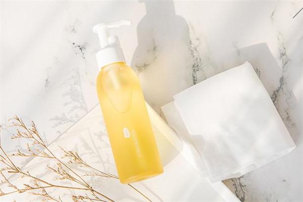 逐本卸妆油的成分 逐本卸妆油是国货吗