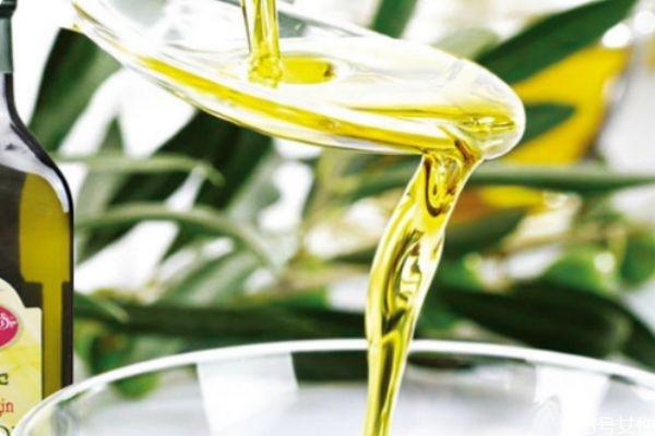 橄榄油炒菜的危害 橄榄油适合做什么菜