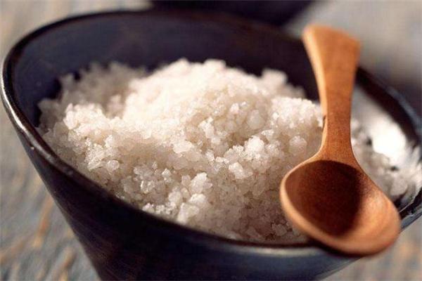 粗盐按摩能减肥吗 粗盐按摩可以瘦肚子吗
