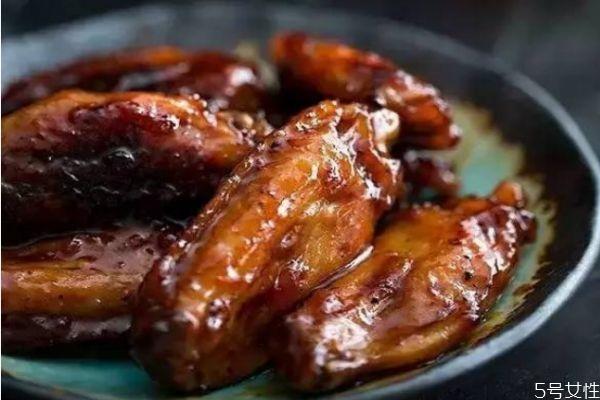 红烧鸡翅怎么做好吃 红烧鸡翅的简单做法
