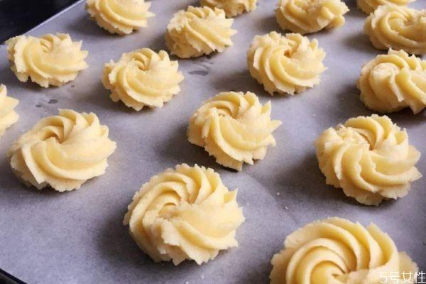 黄油曲奇怎么做好吃 黄油曲奇的简单做法