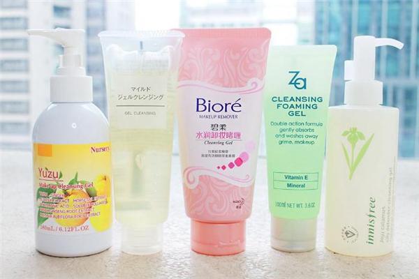 卸妆啫喱和卸妆水哪个好 卸妆啫喱和卸妆水的区别