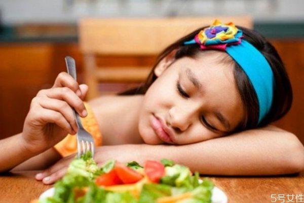 宝宝食欲不振应该怎么办呢 如何解决宝宝食欲不振