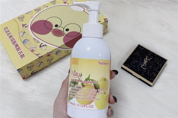 卸妆�ㄠ�可以卸防晒霜吗 卸妆�ㄠ�能卸粉底液吗