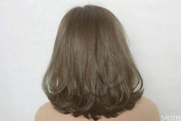 烫的头发能用梳子梳吗 刚烫完头发梳了怎么办