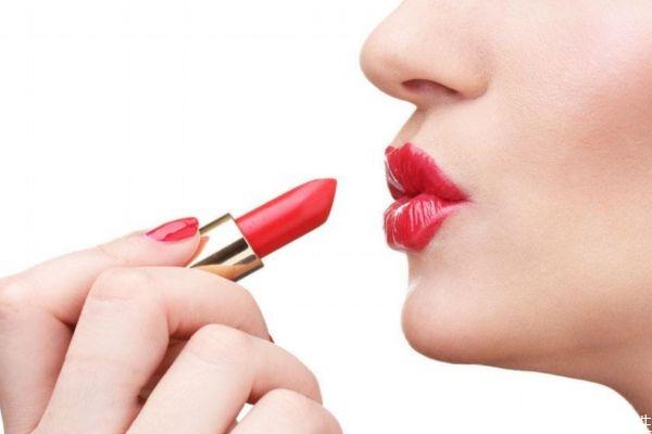 口红挂壁式正品吗 口红有气泡是不是假的