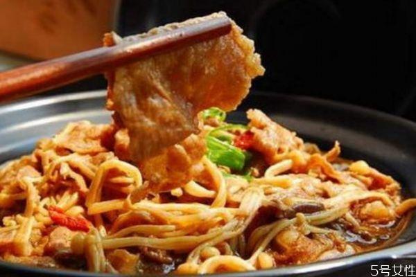 肥牛金针菇怎么做好吃 肥牛金针菇的简单做法
