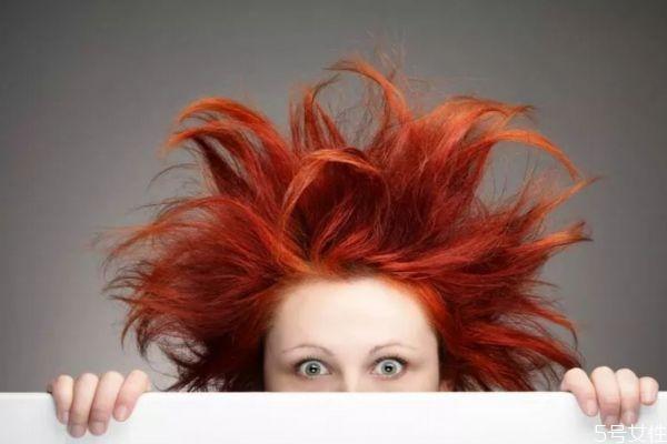 头发染花了该怎么办 头发染花了怎么补救