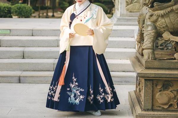 马面裙是什么 马面裙的特征